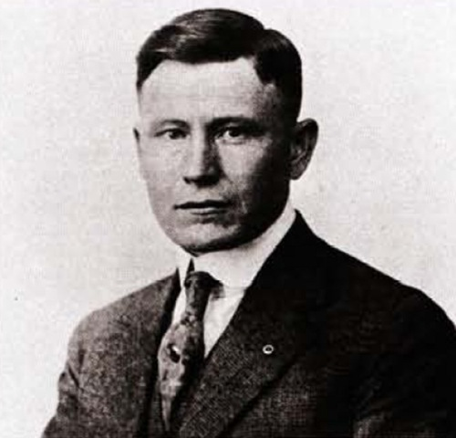 9-Colonel-Harland-David-Sanders